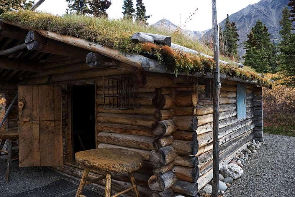 Off grid cabin in Alaska