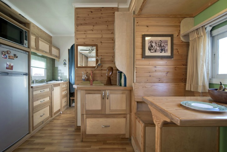 Tiny Home Designs: Amazing Tiny House On Wheels: Truck Converted Into