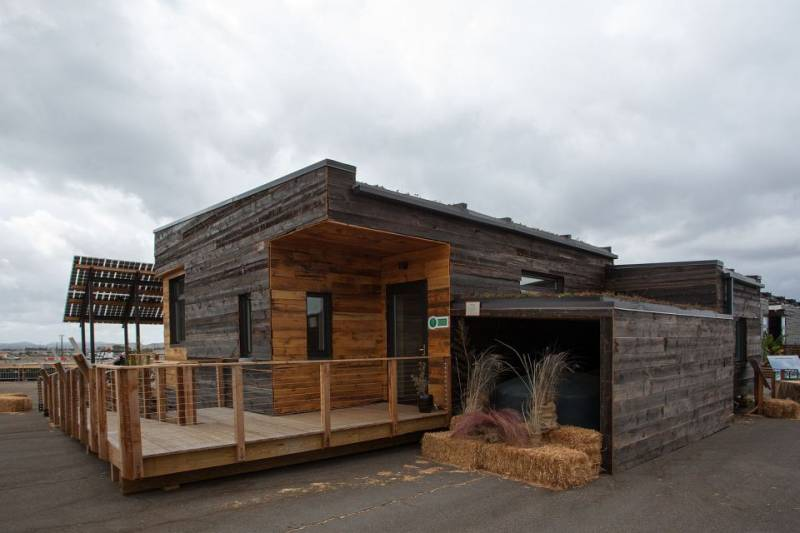 sd2013-insite-exterior9-via-smallhousebliss