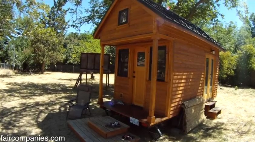 Living BIG In A Tiny House For Only 500mo
