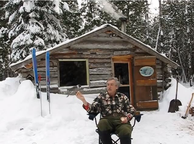 Low Cost Off Grid Solar System for a Cute Little Log Cabin