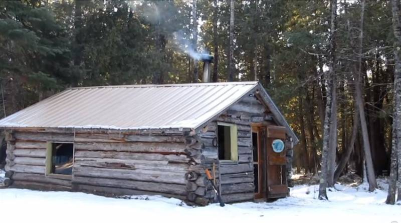 how to build an off grid log cabin