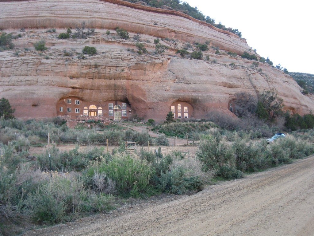 cave dwelling cave palace ranch