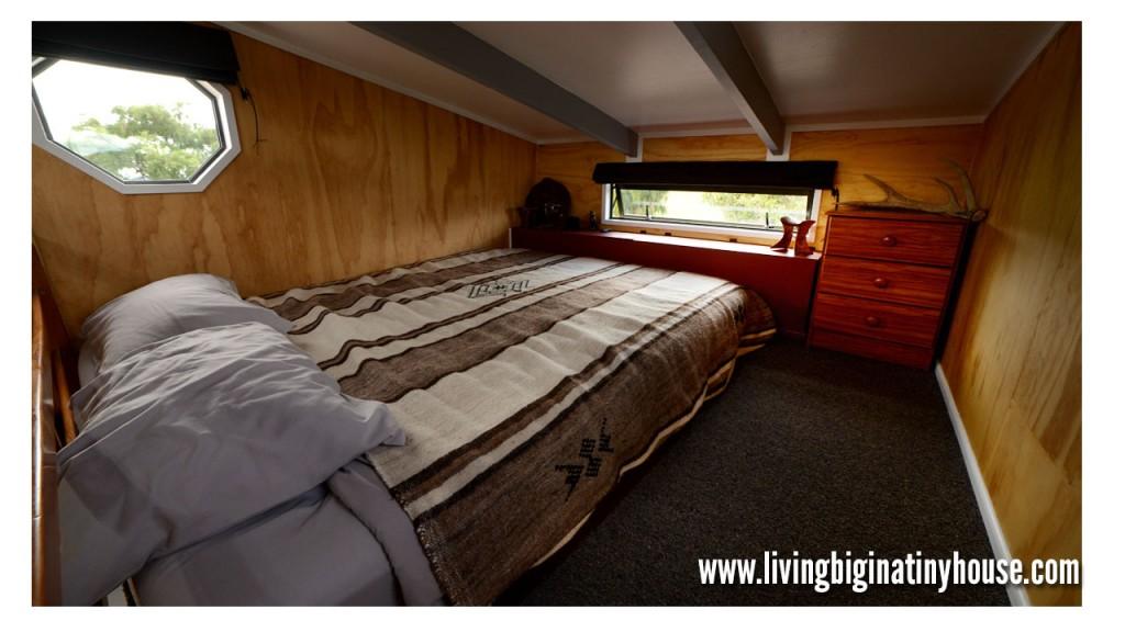 Bretts-Tiny-House-Loft