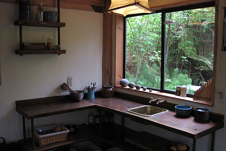 Brian-Schulz-Tiny-Japanese-Forest-House-5