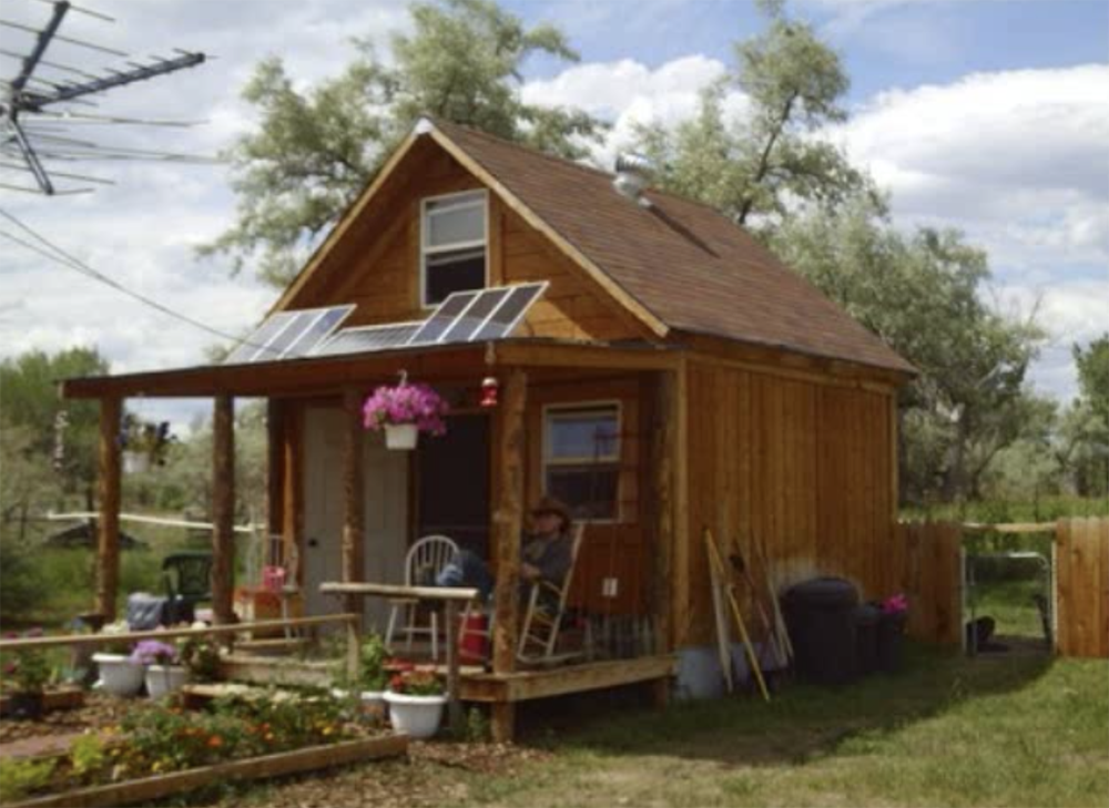 5 amazing tiny houses log cabins under 10k off grid world for Amazing small homes