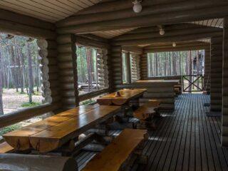 Log cabin tables