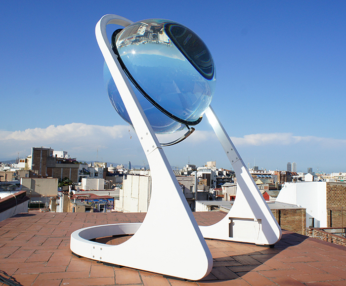 Crystal Ball Solar Concentrator Sees Bright Future in Solar Power, and it's Beautiful!