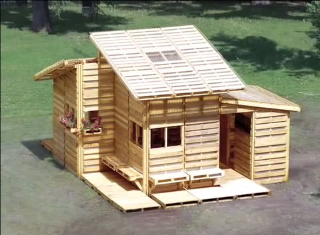 500 pallet house is 256sqft of tiny living perfection off grid world - Small house planseuros ...
