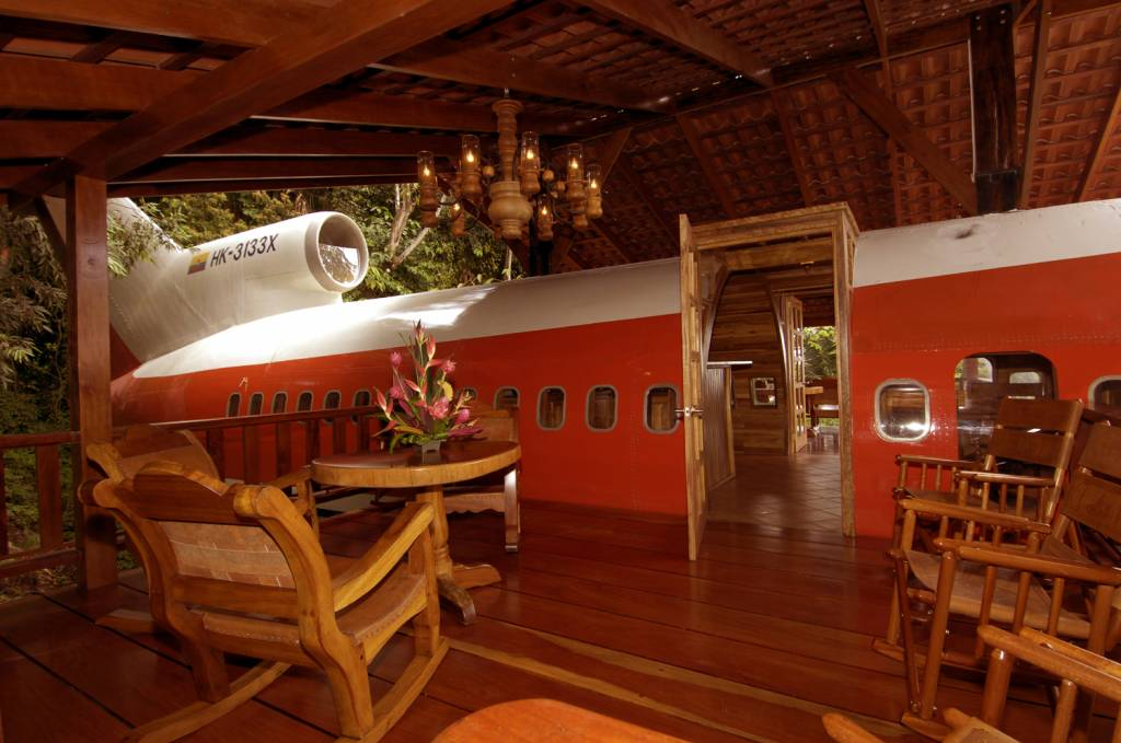 Recycled boeing 727 airplane converted into gorgeous hotel for Gorgeous hotel