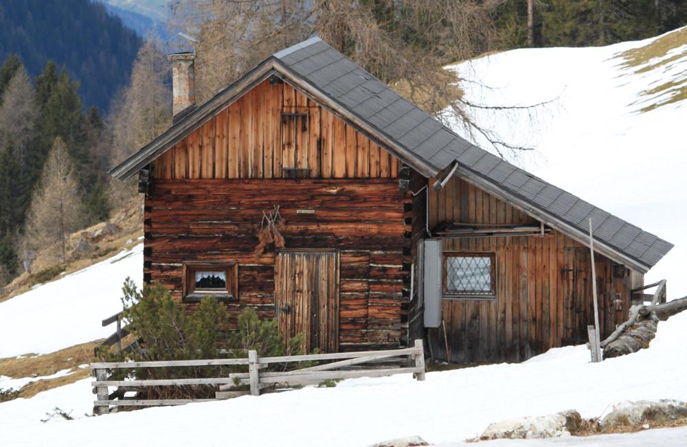 alpine-cabin2