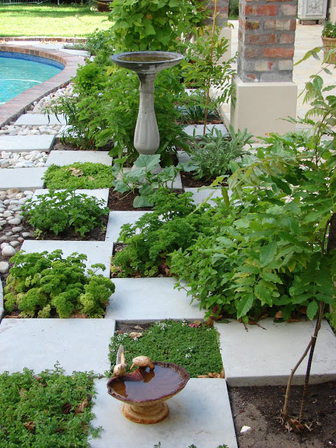 Use pavers to create a charming kitchen garden off grid for Create garden design