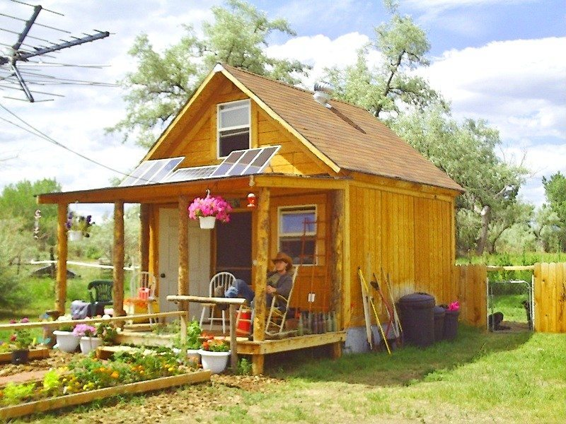 Simple Solar Cabin