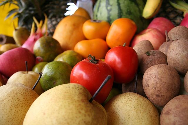 fruits-61896_640
