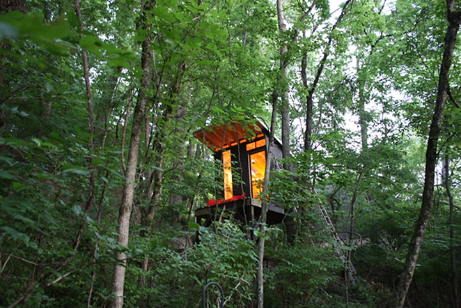 Treehouse in Tennessee