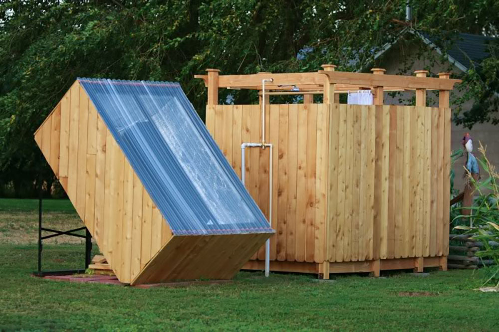 5 diy outdoor solar shower ideas off grid world. Black Bedroom Furniture Sets. Home Design Ideas