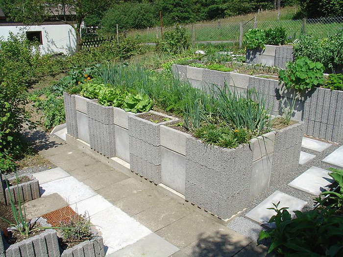 12 amazing cinder block raised garden beds page 2 of 4 for Gartengestaltung 200 qm