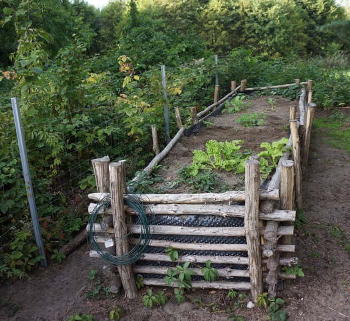 Log Raised Garden Beds: Build Raised Garden Beds Out Of Almost Anything