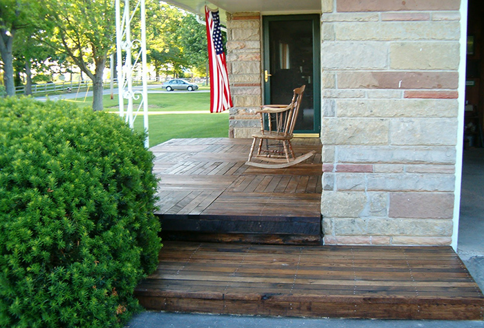 Upcycled pallet porch