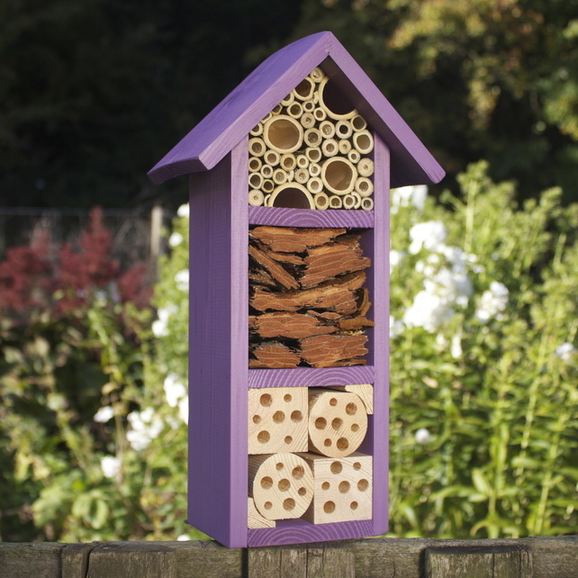 Simple DIY bee hotel