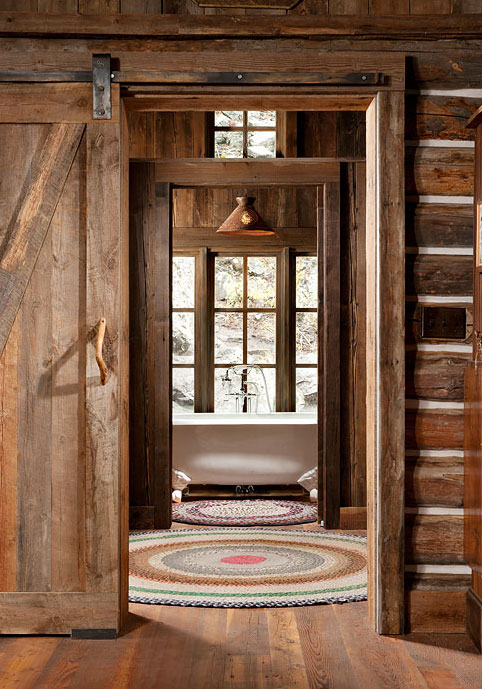 Authentic Log Cabin Exquisitely Restored To 1900 S