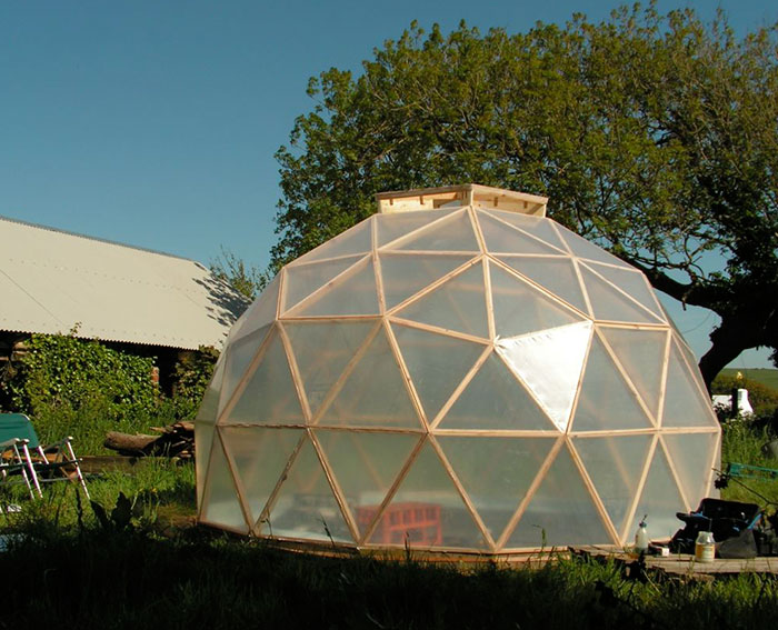 A Beautifully Efficient Diy Dome Greenhouse Off Grid World