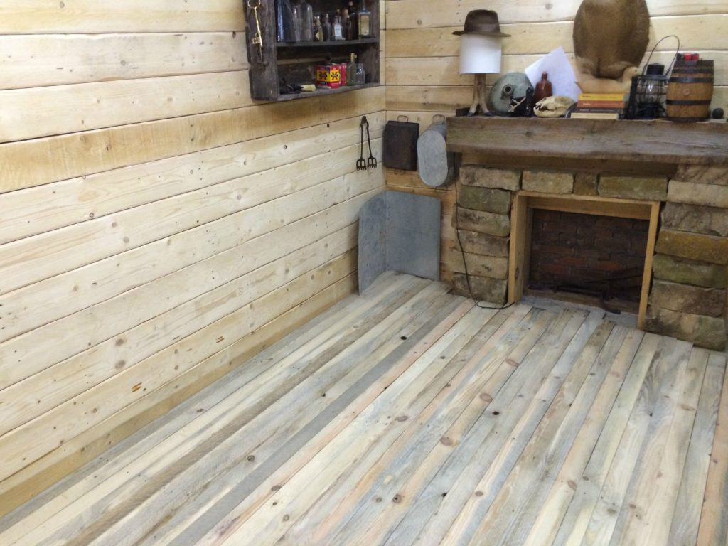 Rustic Look Man Cave : Amazing rustic cabin man cave built in basement for off