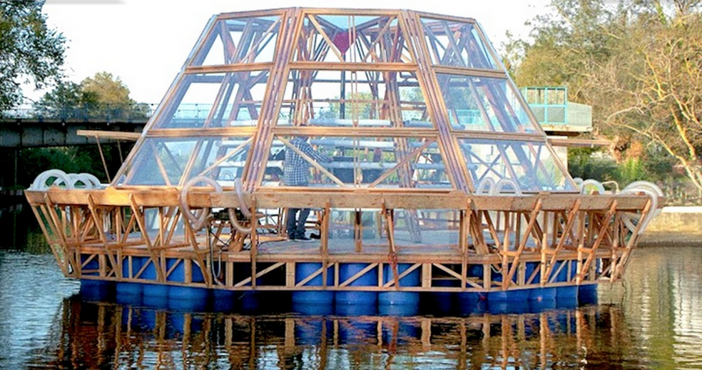 Awesome 750sqft Solar Powered Floating Greenhouse Is Pure Genius Off Grid World