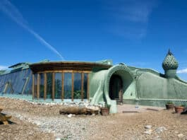 Off grid living in an Earthship