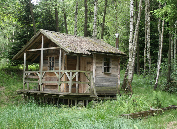 living off the grid  what does it mean