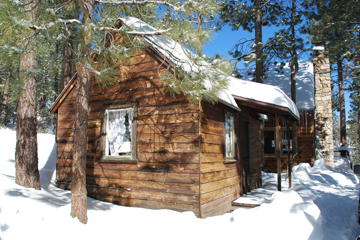 Log Cabin In The Woods. For Most People, Living Off The Grid ...