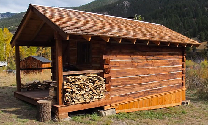 square log cabin dovetail notched corner