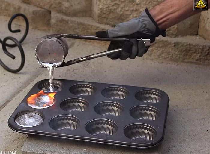 Melting Aluminum Cans With 20 Homemade Mini Metal Crucible
