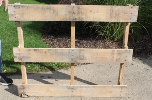 pallet-furniture-disassemble3