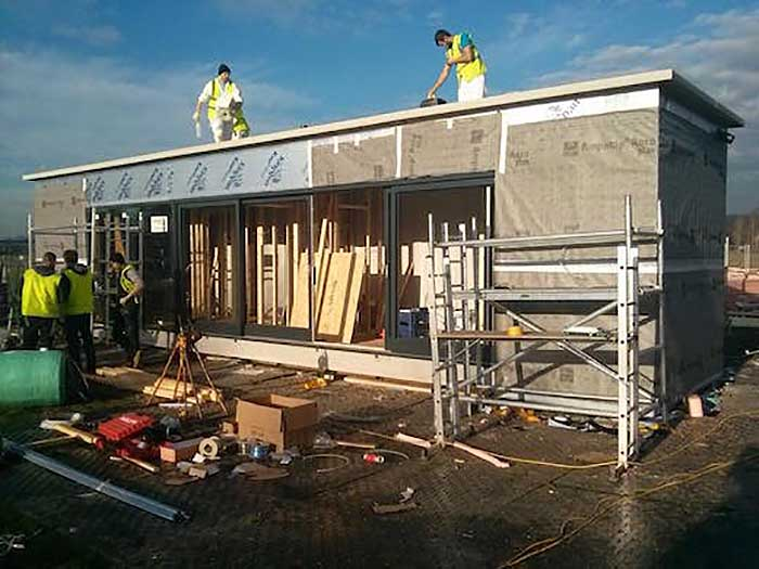 Ireland 39 s first shipping container home built in 3 days for Construction de maison container