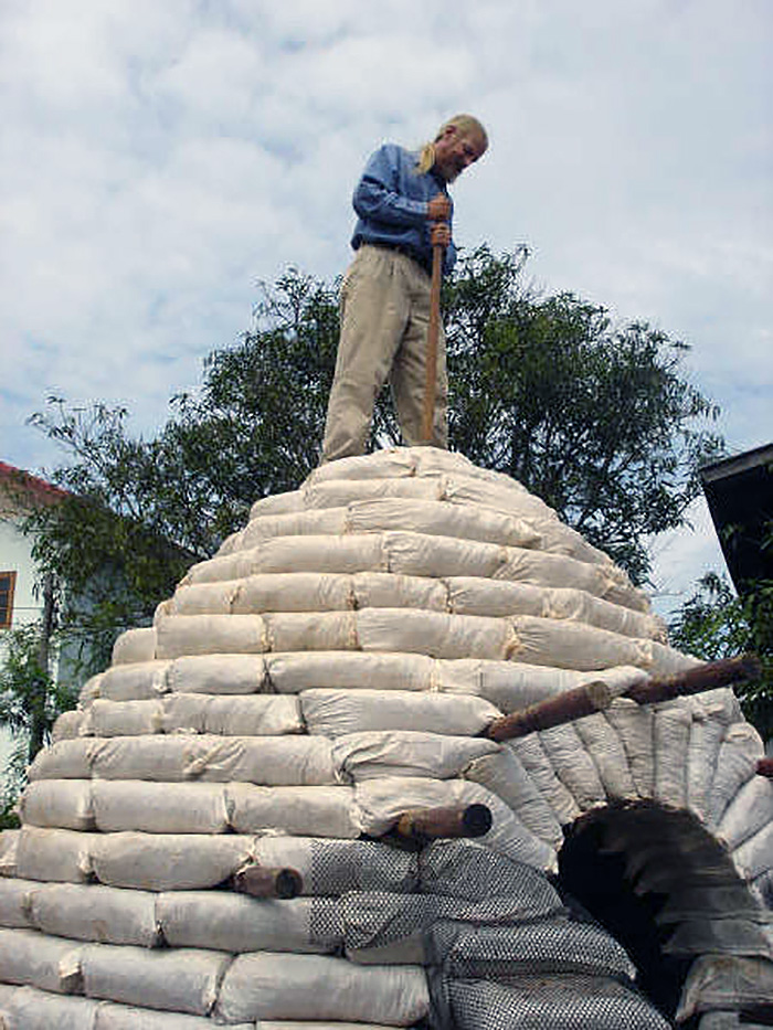 Earthbag dome construction