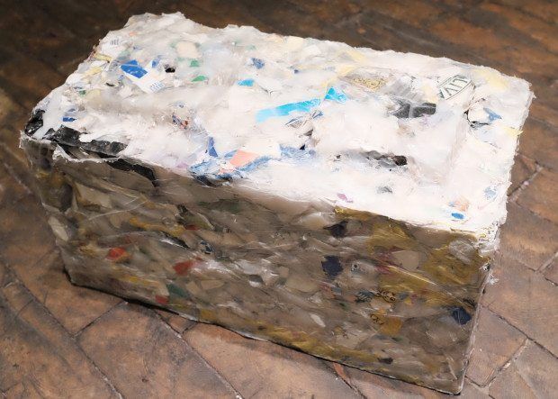 Sustainable company makes building blocks out of recycled for Building with recycled plastic