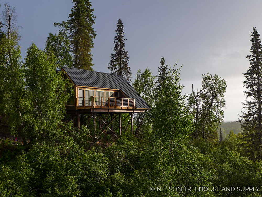 alaskan mountain treehouse 1