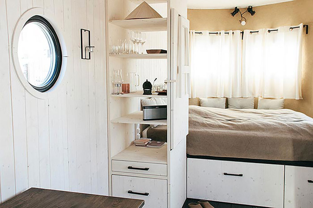 mobile tiny cabin