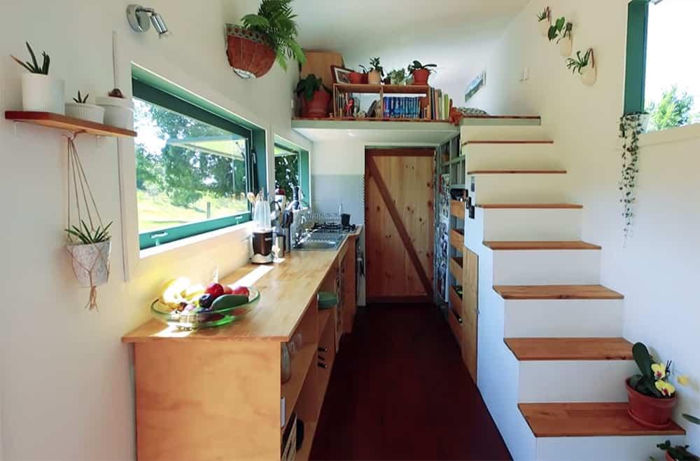 Inspiring off grid tiny house