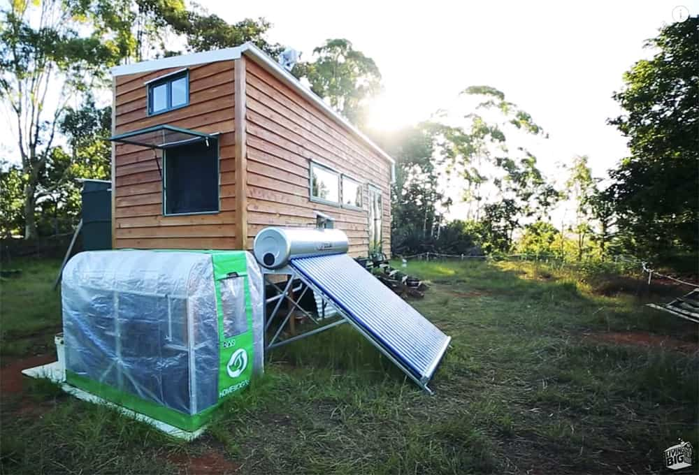 Off grid tiny house with biogas generator