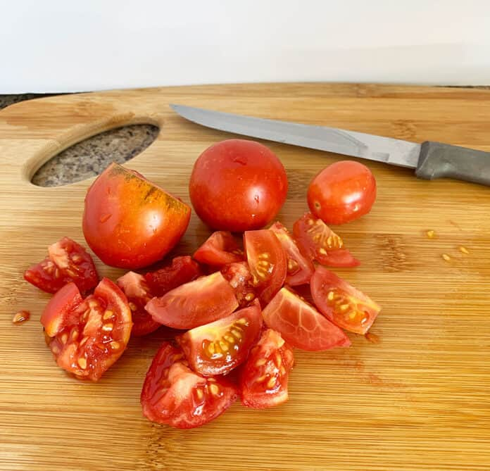 Chopped tomatoes for freezing