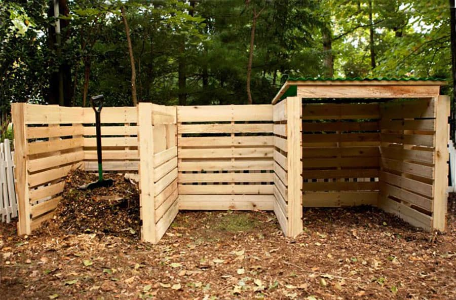 Wood pallet compost bins