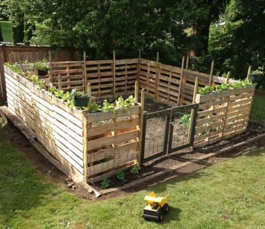 Pallet garden fence - Pinterest