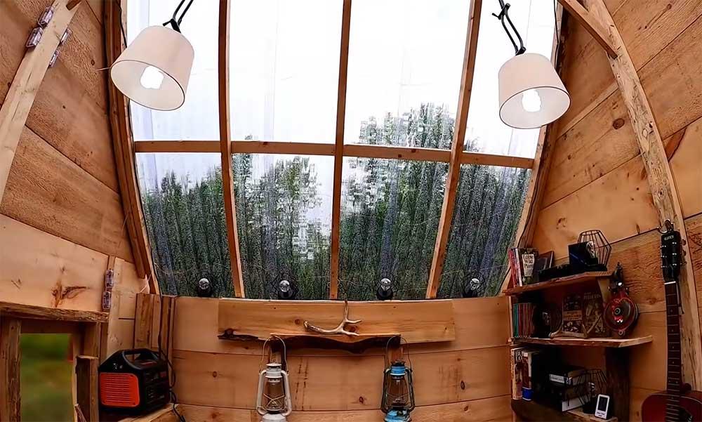 Transparent cabin roof