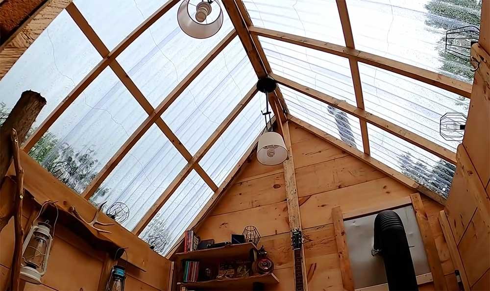 Passive solar cabin roof