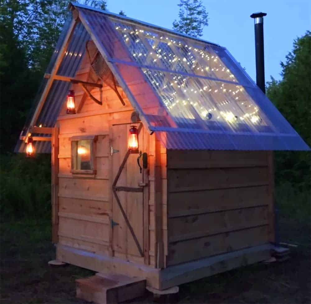 Tiny cabin with clear roof