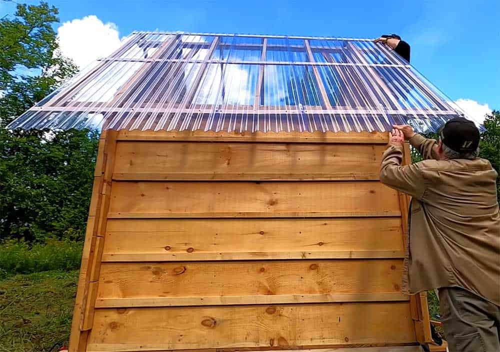 Cabin with clear roof